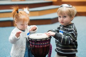 Oseh Shalom helps kids connect with their Jewish heritage while having fun and learning.